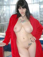 Tattooed goth wife shows her huge..
