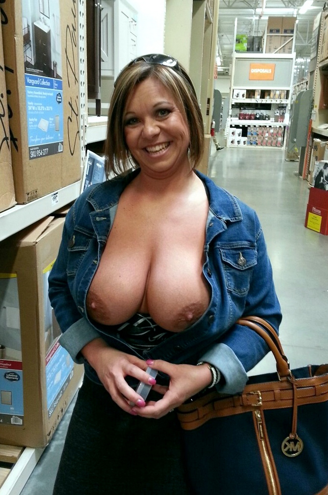 redneck chicks showing tits
